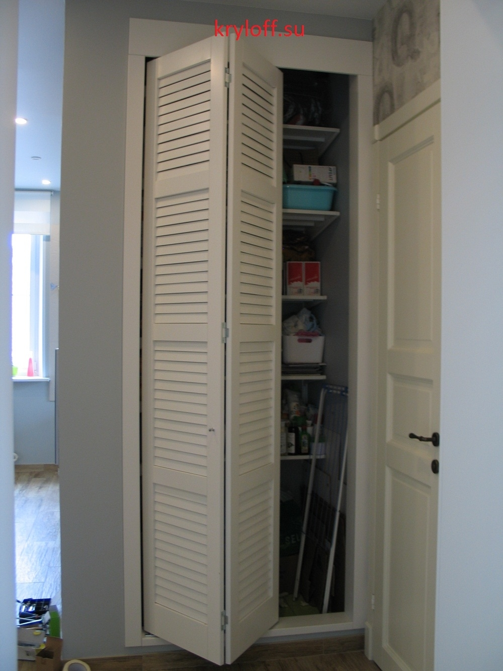 013 Дверь гармошкой в проем