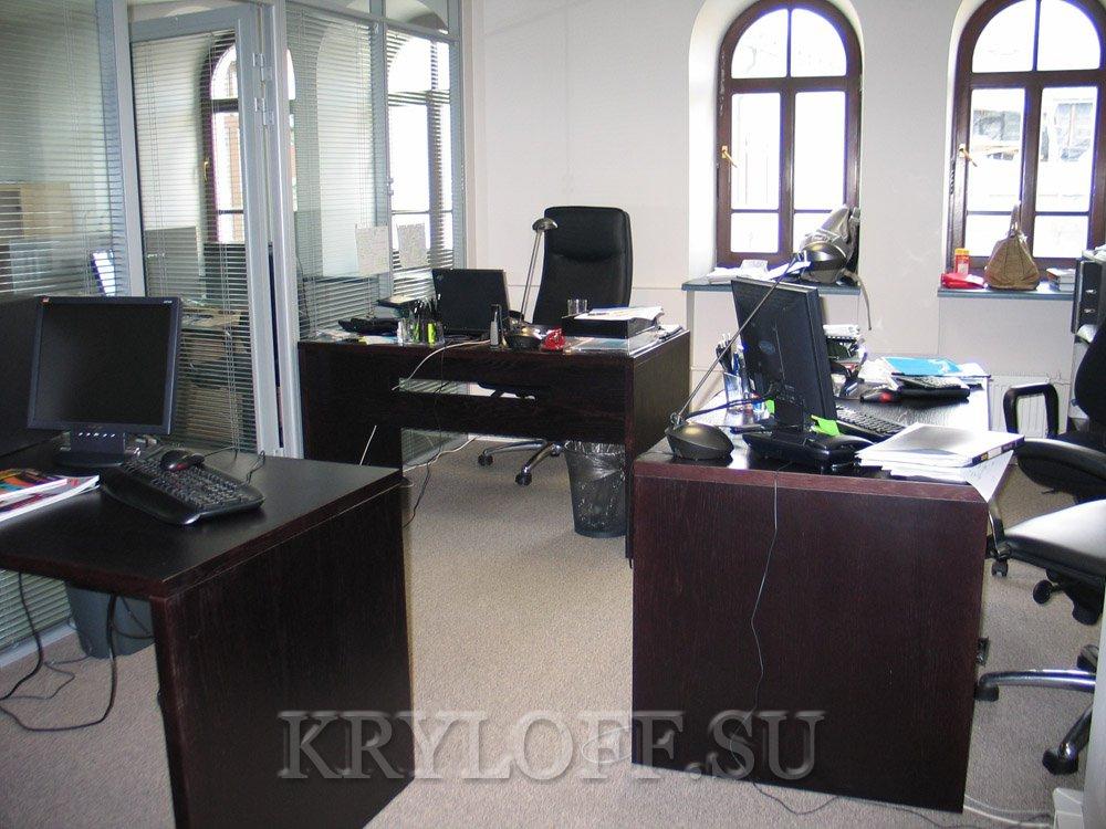 004 Столы рабочие в офис