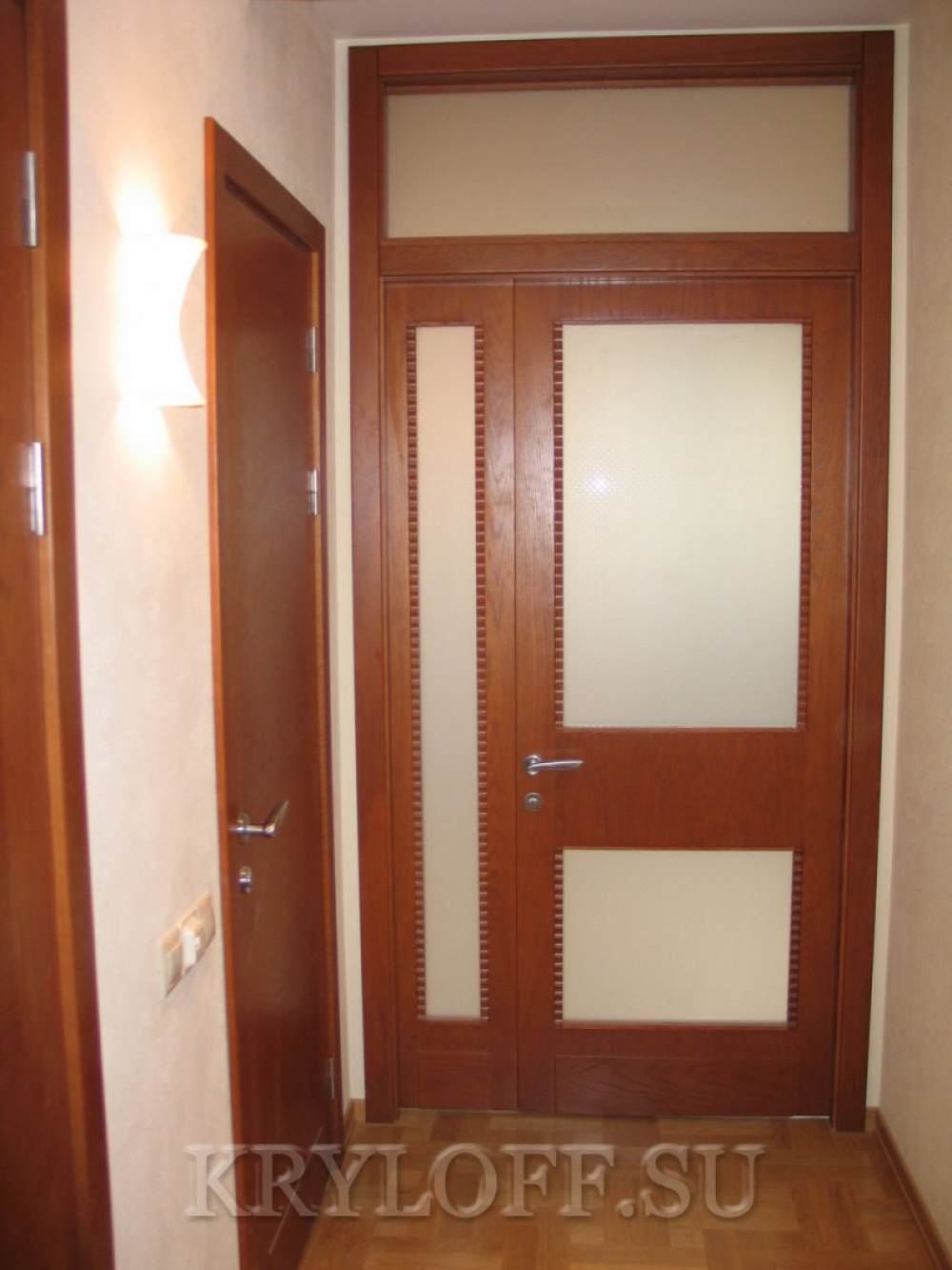 Дверь из дерева 08