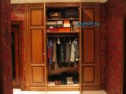 009 Встроенный шкаф для одежды в тамбуре