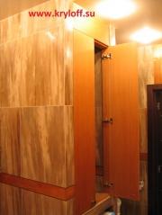 009 Шкаф в ванной встроенный на заказ из тика