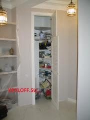 028 Жалюзийные дверки в проем с коробкой и наличниками